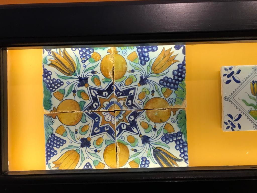 Tulip  pattern tiles